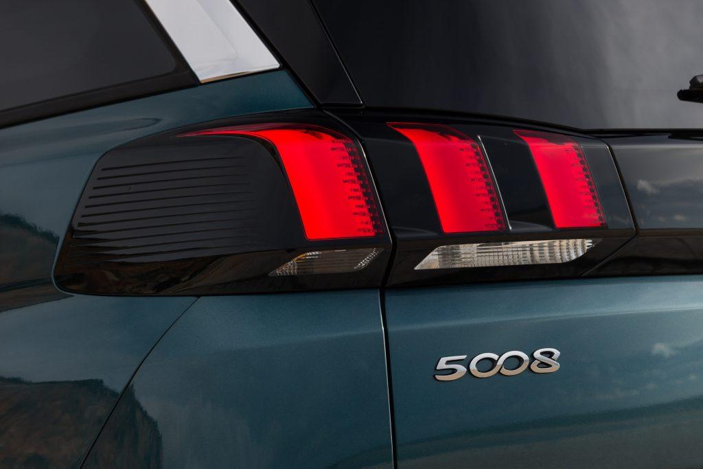 Modelos Peugeot terminados en 8: Peugeot 5008