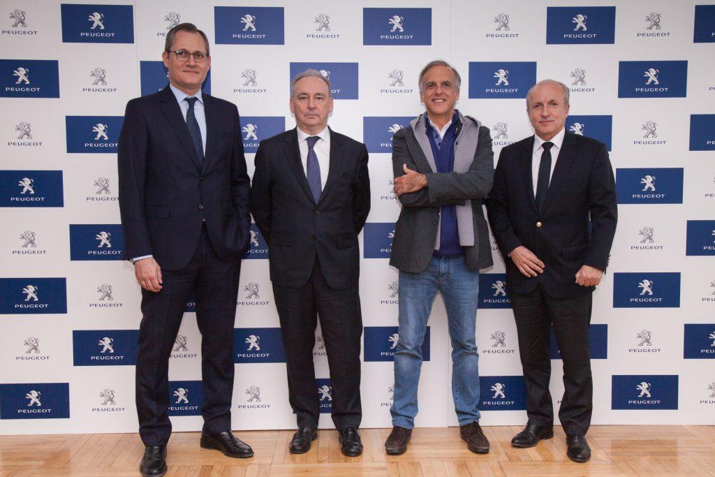 Firma acuerdo campaña revisiones solidarias Peugeot