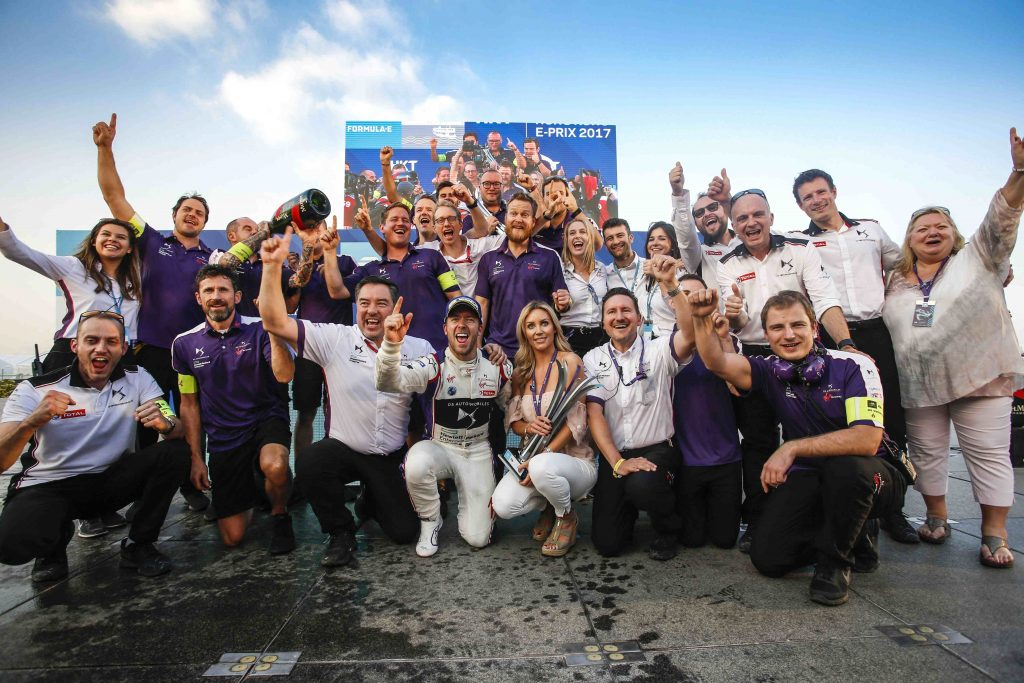 Bird gana la primera victoria del campeonato de Formula E