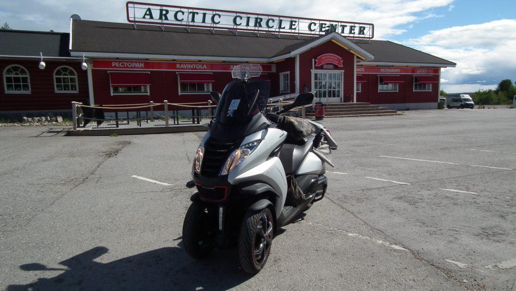 Viaje al Círculo Polar Ártico en Peugeot Metropolis